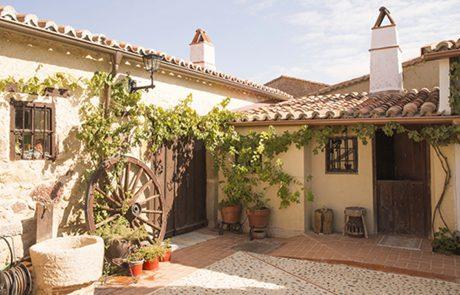 patio-fachada-casica
