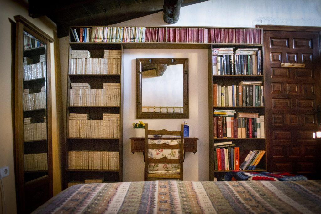 Librería del Apartamento Rural El Palomar de Entrambasorillas