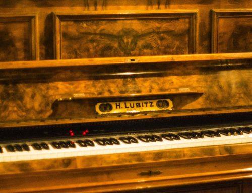 Salón -El Piano-