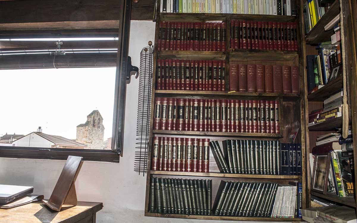 Casa Rural en Zamora Entrambasorillas El Palomar -Hab. 3 pax- Librería