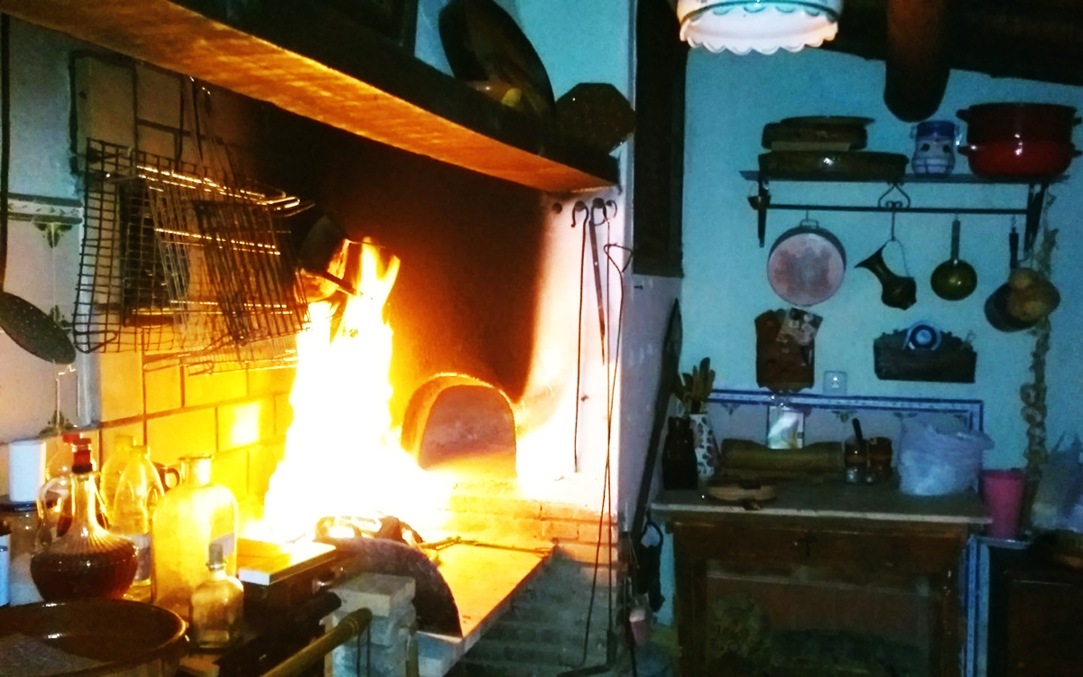 La casica lumbre casa rural en zamora con bodega entrambasorillas - Horno de lena y barbacoa ...
